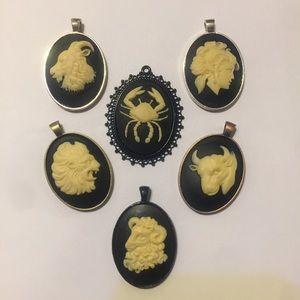 originelle Jewelry - ♋️Handmade! VINTAGE REWORK • CANCER CAMEO NECKLACE